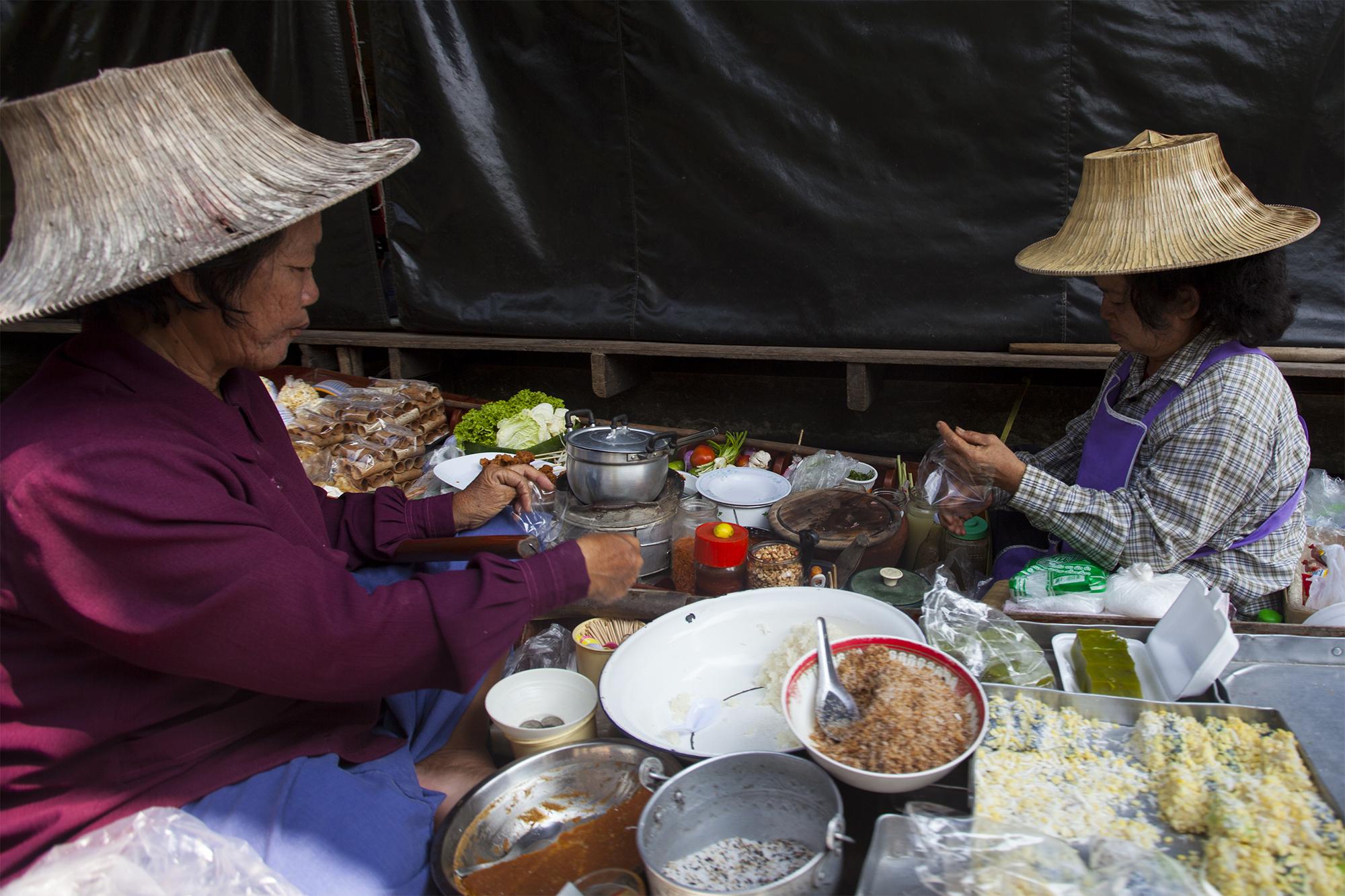 Bangkok En el mercado flotante